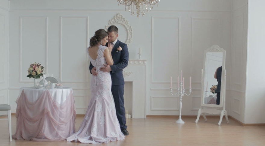 結婚式動画制作にも最適!無料動画素材サイト8選